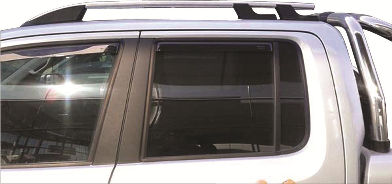 accessoire 4x4 tout terrain barre de toit attelage 4x4 couvre roue. Black Bedroom Furniture Sets. Home Design Ideas